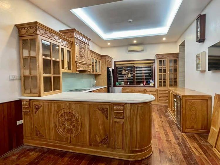 tủ bếp gỗ pơ mu