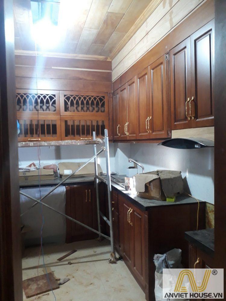 An viet house thi công tủ bếp gỗ gõ đỏ