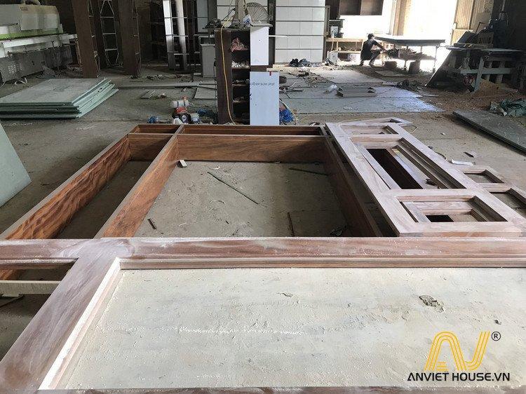 Sản xuất cửa gỗ lim