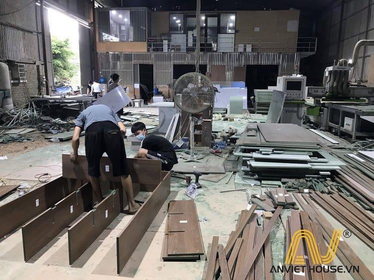 Lắp ráp sản phẩm tại xưởng