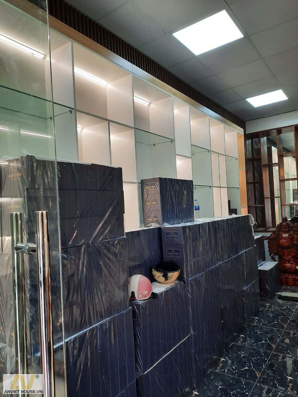 anviethouse thi công nội thất showroom