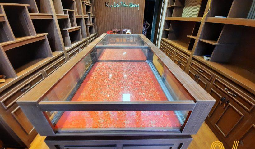 đảo trưng bày cửa hàng trầm hương Kim Liên