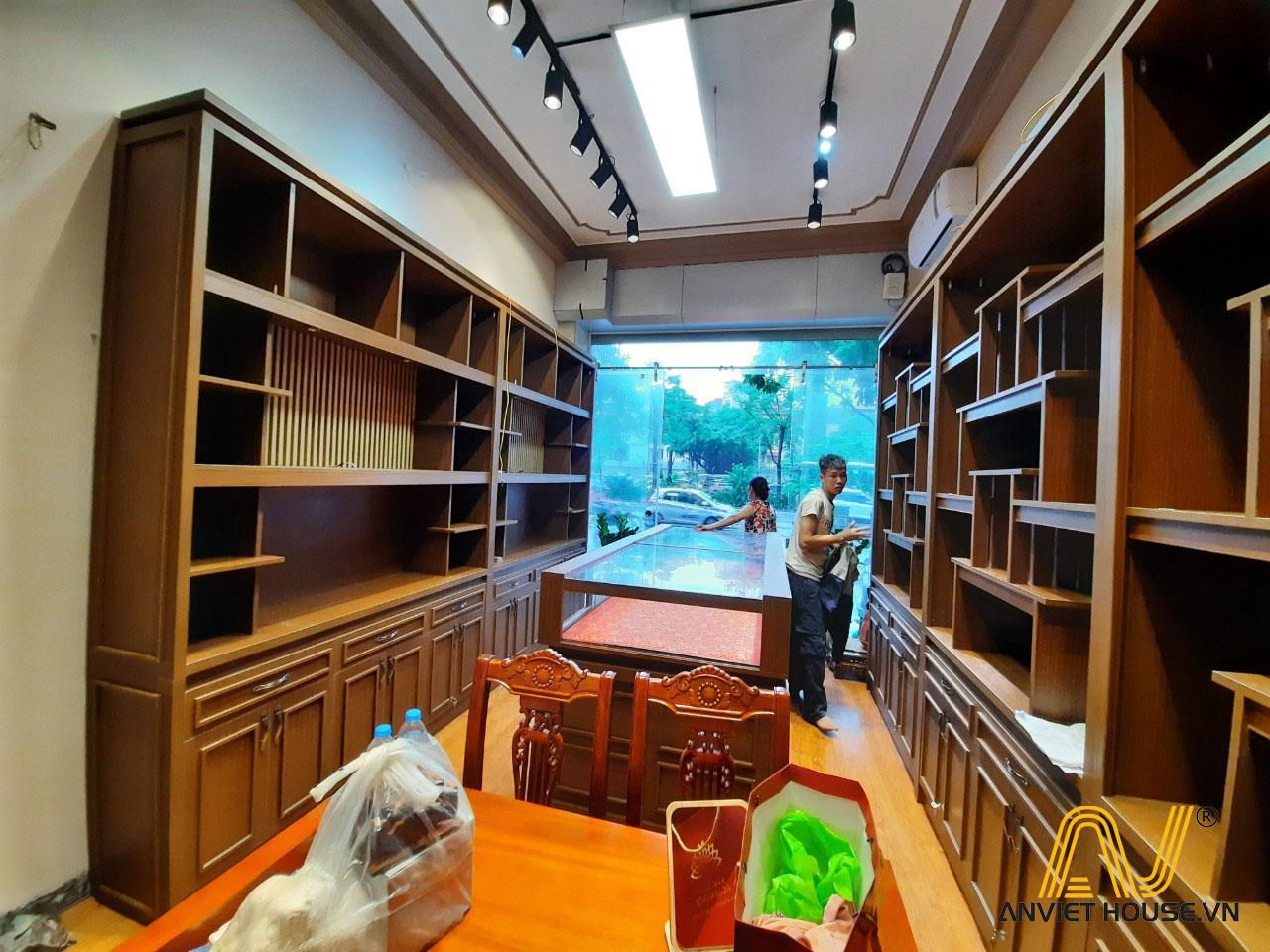 Hệ tủ trưng bày cửa hàng trầm hương Kim Liên