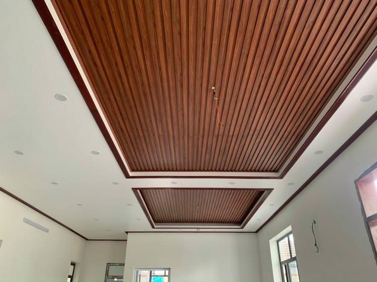 ốp gỗ trang trí phòng khách