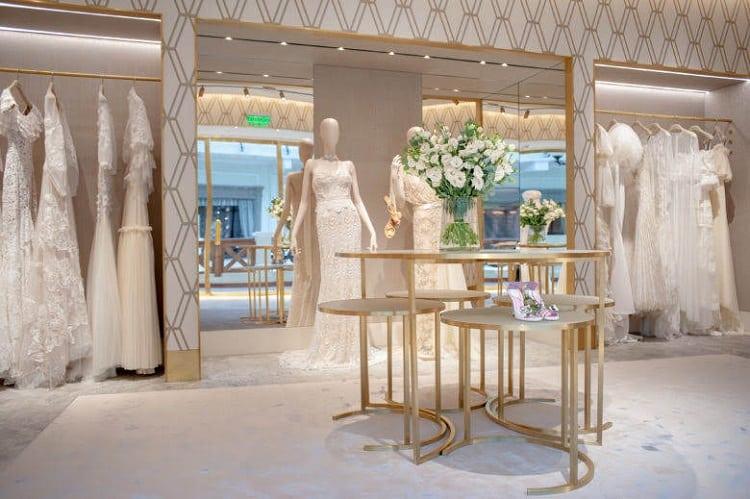 nội thất cửa hàng váy cưới