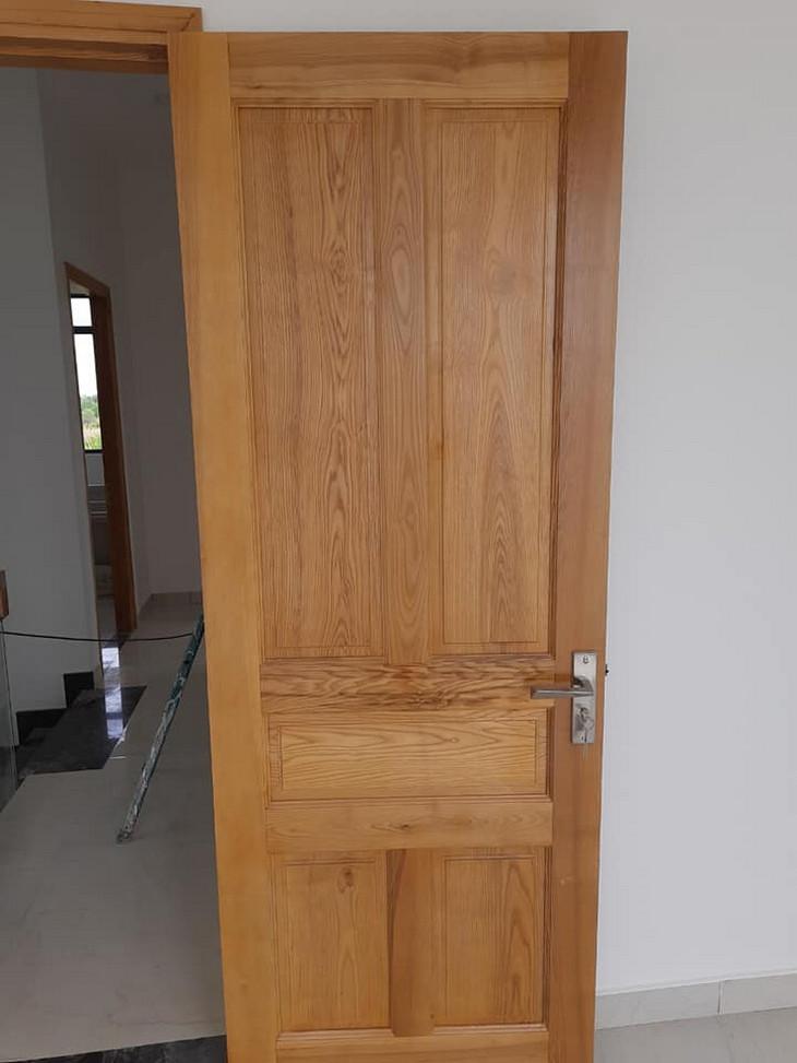 mẫu cửa gỗ sồi 1 cánh đẹp
