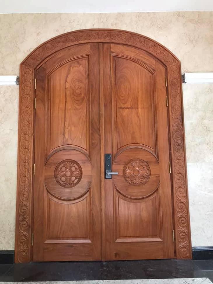 cửa gỗ sồi phòng khách