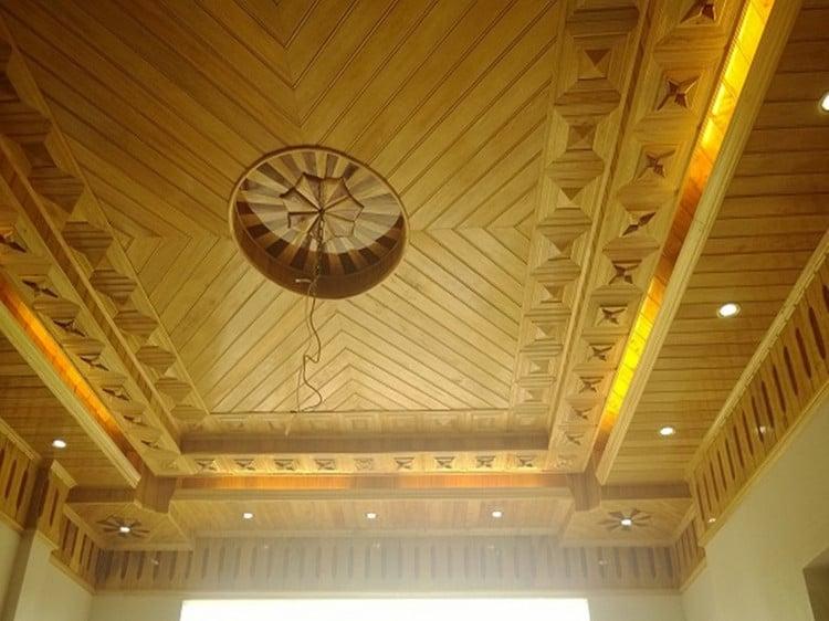 trần gỗ nhà phố