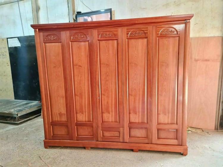 mẫu tủ quần áo 5 cánh đẹp gỗ tự nhiên