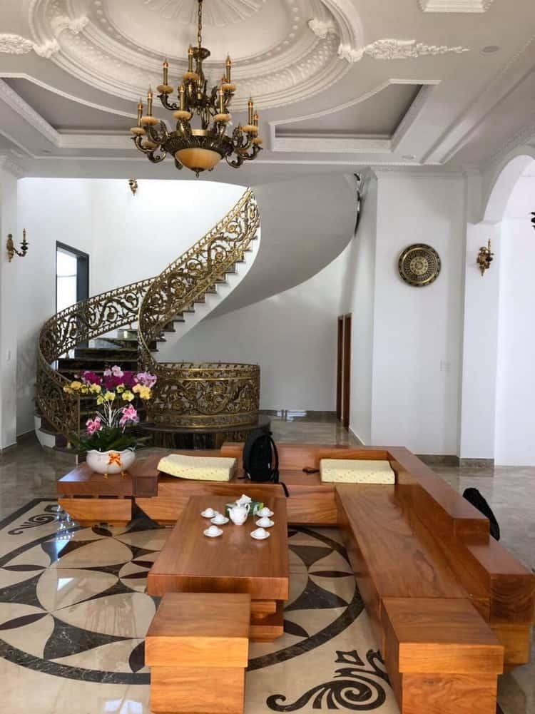 mẫu sofa gỗ gõ đỏ hiện đại, sang trọng