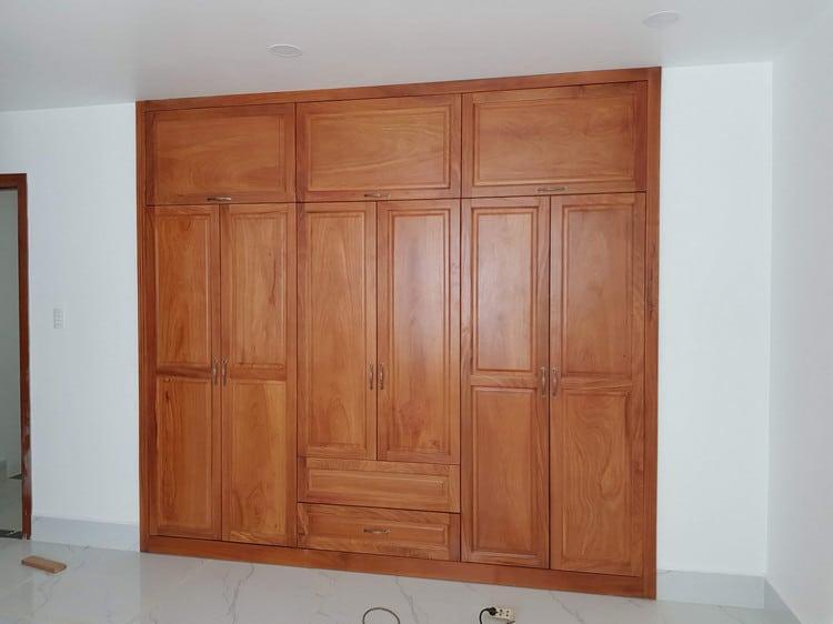tủ quần áo gỗ gỏ đỏ hiện đại